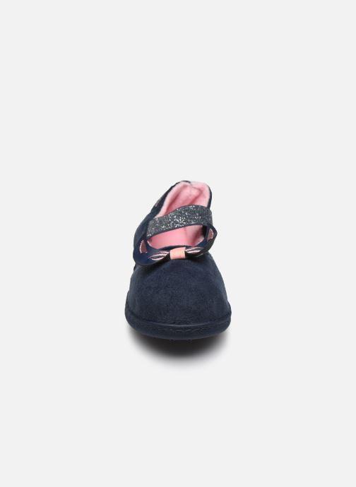 Chaussons Isotoner Ballerine E Bleu vue portées chaussures
