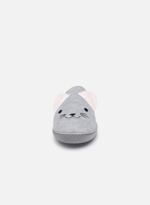 Pantofole Isotoner Mule Fille Jersey Grigio modello indossato