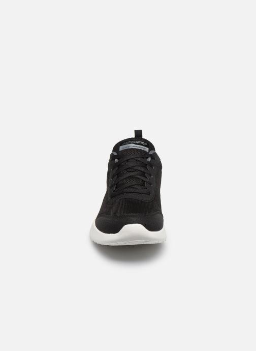 Sneakers Skechers SKECH-AIR DYNAMIGHT FAST BRAKE Nero modello indossato