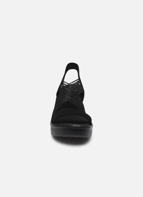 Sandalen Skechers RUMBLE UP CLOUD CHASER schwarz schuhe getragen