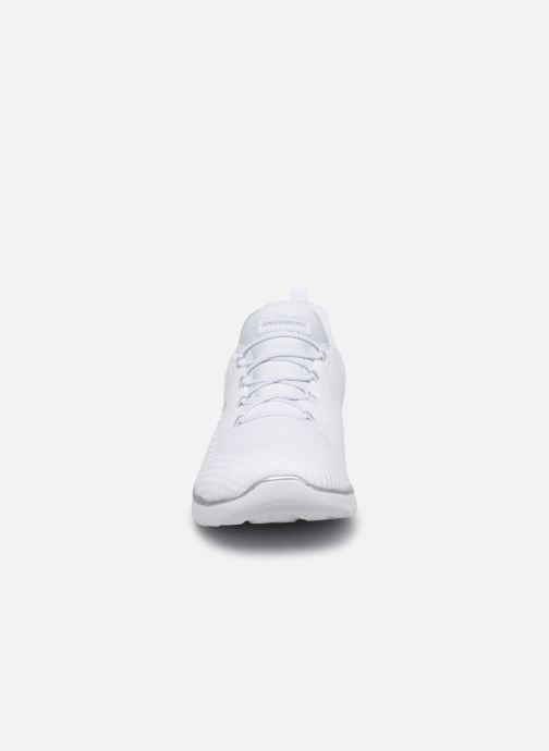 Baskets Skechers SUMMITS FAST ATTRACTION Blanc vue portées chaussures