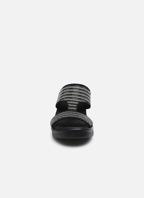 Zoccoli Skechers RUMBLE ON BLING GAL Nero modello indossato
