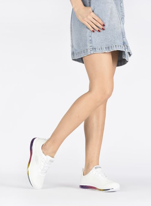Sneaker Skechers SKECH-AIR ELEMENT PRELUDE weiß ansicht von unten / tasche getragen