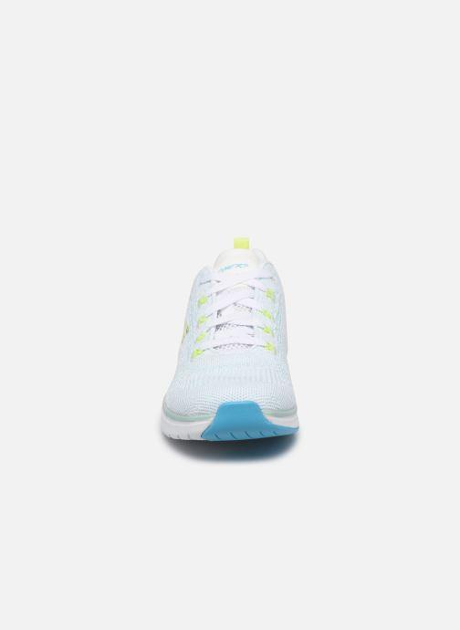 Sneaker Skechers ULTRA GROOVE W blau schuhe getragen
