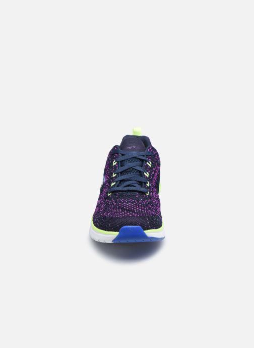 Baskets Skechers ULTRA GROOVE W Violet vue portées chaussures