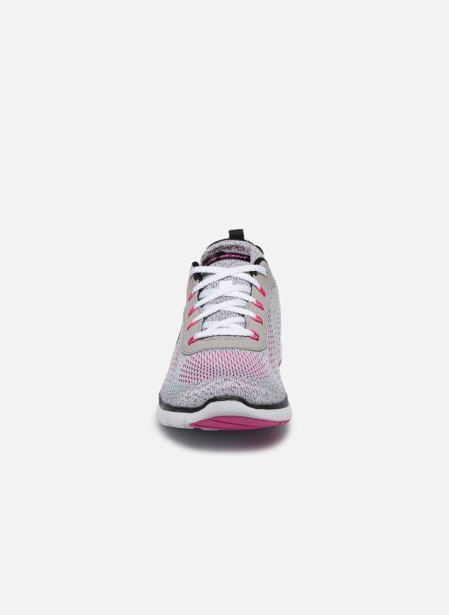 Baskets Skechers FLEX APPEAL 3.0 PURE VELOCITY Gris vue portées chaussures