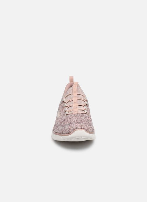 Sneakers Skechers EMPIRE D'LUX SHARP WITTED Beige modello indossato