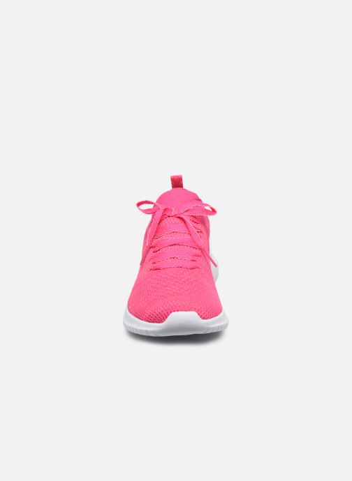 Sneakers Skechers ULTRA FLEX SUGAR BLISS Rosa modello indossato
