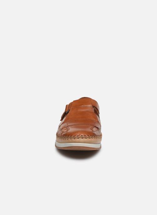 Scarpe con gli strappi Fluchos Kendal F0813 Marrone modello indossato