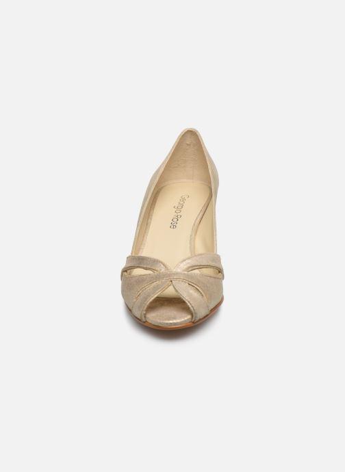 Zapatos de tacón Georgia Rose Dicroisa Oro y bronce vista del modelo