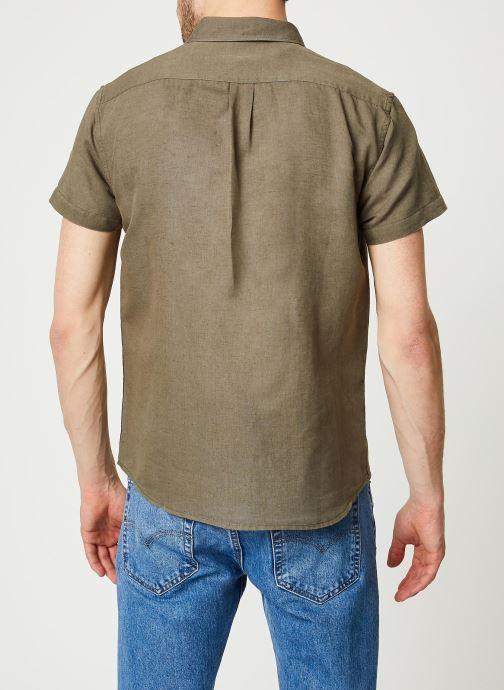 Vêtements Wrangler SS 1 Pocket Shirt Vert vue portées chaussures