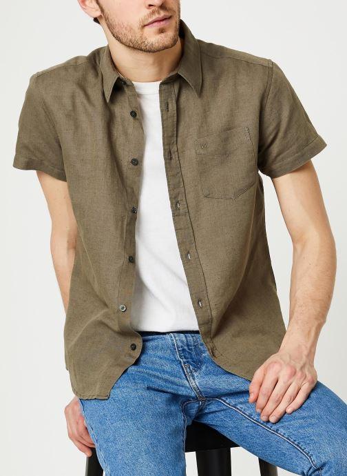 Vêtements Wrangler SS 1 Pocket Shirt Vert vue détail/paire