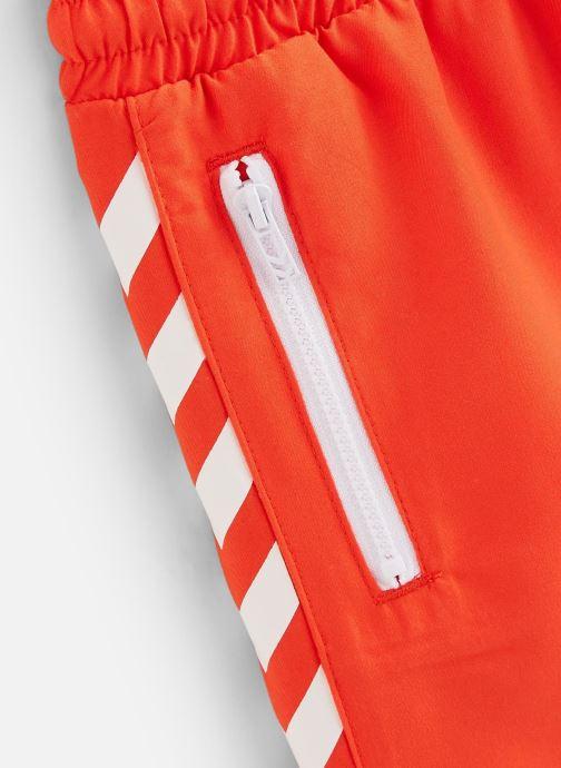 Vêtements Hummel Maillot Delta Board Shorts Orange vue portées chaussures