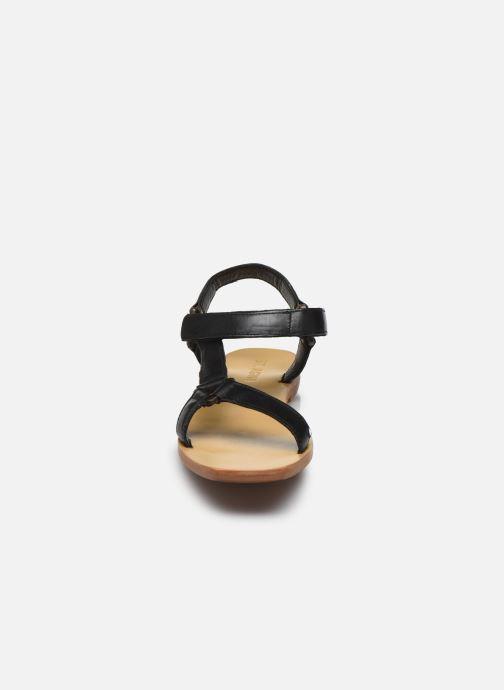 Sandali e scarpe aperte ST.AGNI Sportsu Sandals Nero modello indossato