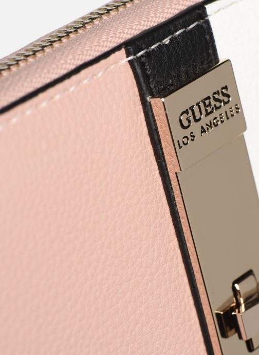 Petite Maroquinerie Guess ASHER LARGE ZIP AROUND Rose vue gauche