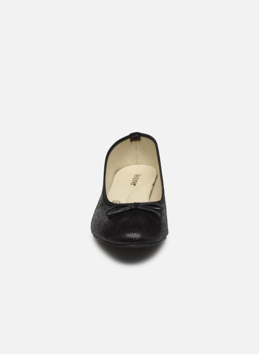 Ballerines Isotoner Ballerine brillante Noir vue portées chaussures