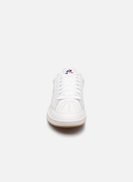 Baskets Le Coq Sportif Courtclay Blanc vue portées chaussures