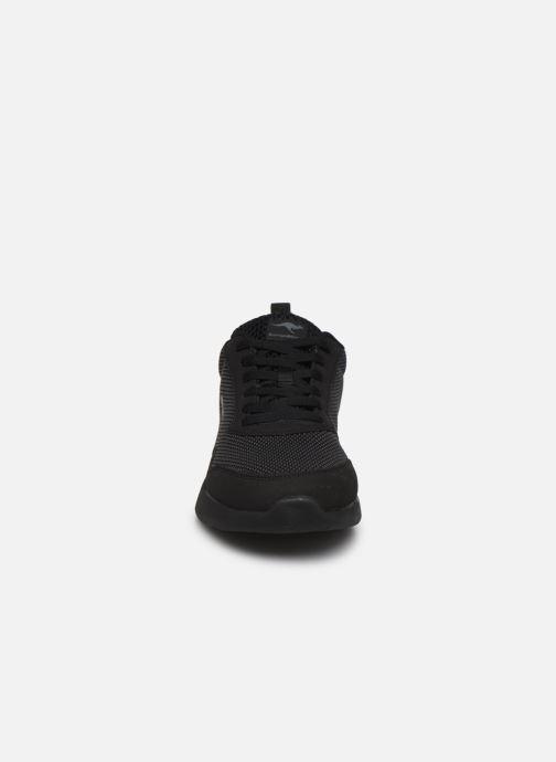 Baskets Kangaroos KL-A Essent C Noir vue portées chaussures
