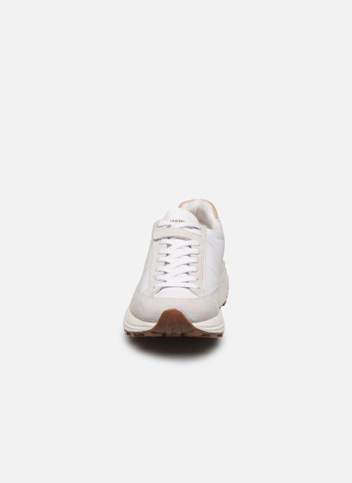 Sneakers Le Coq Sportif Dynatec Chunky Bianco modello indossato