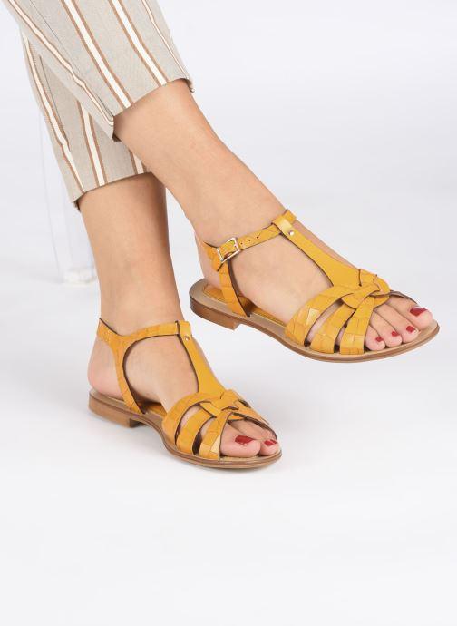 Sandalen Georgia Rose Licroco gelb ansicht von unten / tasche getragen