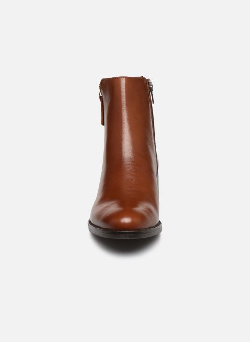 Bottines et boots Georgia Rose Soft Rikika Marron vue portées chaussures