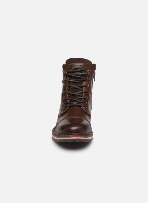 Bottines et boots Mustang shoes Kil1 Marron vue portées chaussures