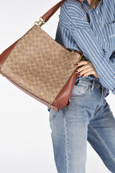 Handtaschen Coach Dalton 31 Shoulder Bag braun ansicht von unten / tasche getragen