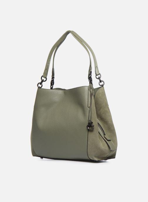 Bolsos de mano Coach Dalton 31 Shoulder Bag Verde vista del modelo