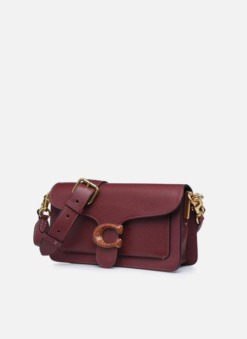 Sacs à main Coach Tabby Shoulder Bag 26 Bordeaux vue portées chaussures
