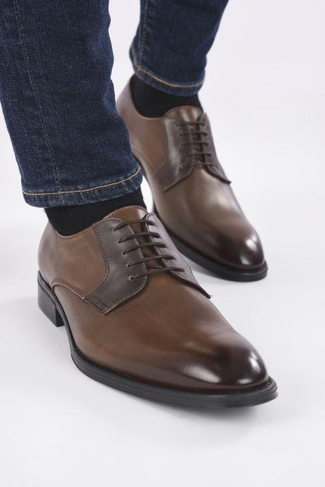 Chaussures à lacets Marvin&Co Matino Marron vue bas / vue portée sac