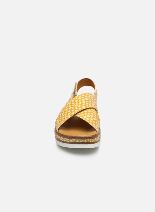 Sandales et nu-pieds Think! Zega 86387 Jaune vue portées chaussures