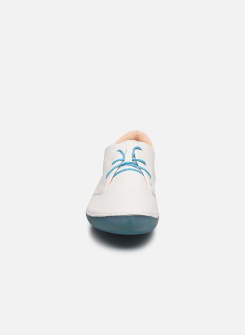 Baskets Think! Kapsl 86066 Blanc vue portées chaussures