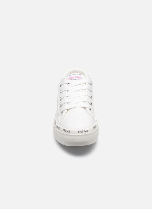Sneakers Fresas by Conguitos Napa Bianco modello indossato