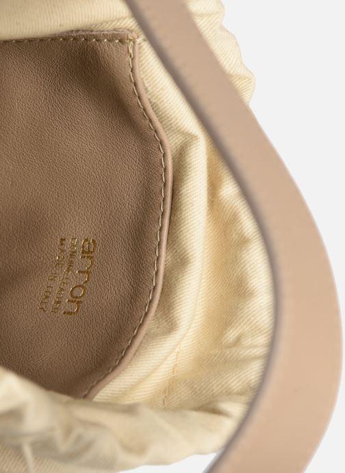 Sacs à main Arron Small Bucket Bag Beige vue derrière
