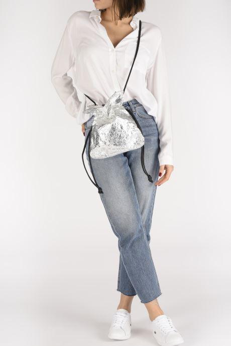 Bolsos de mano Arron Small Handbag Plateado vista de abajo