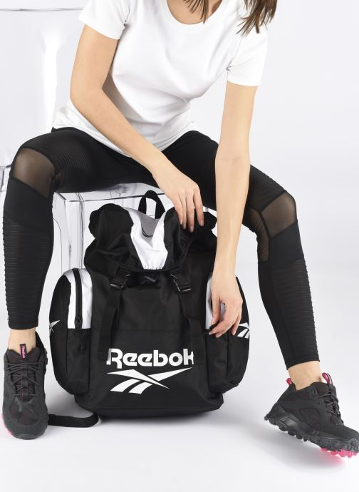 Rucksäcke Reebok Cl Archive Bp schwarz ansicht von unten / tasche getragen