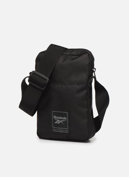 Bolsos de hombre Reebok Wor City Bag Negro vista del modelo