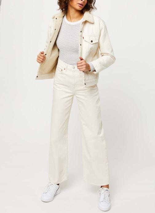 Vêtements Levi's Ls Baby Tee Blanc vue bas / vue portée sac