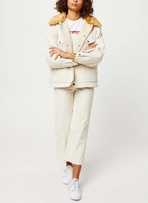 Vêtements Levi's Oversized Cord Fur Trucker Jacket Beige vue bas / vue portée sac