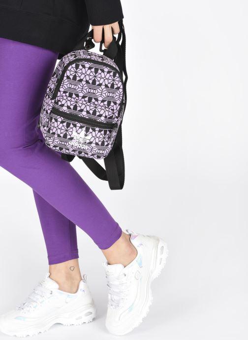 Rucksäcke adidas originals Mini Bp Gr Q1 rosa ansicht von unten / tasche getragen