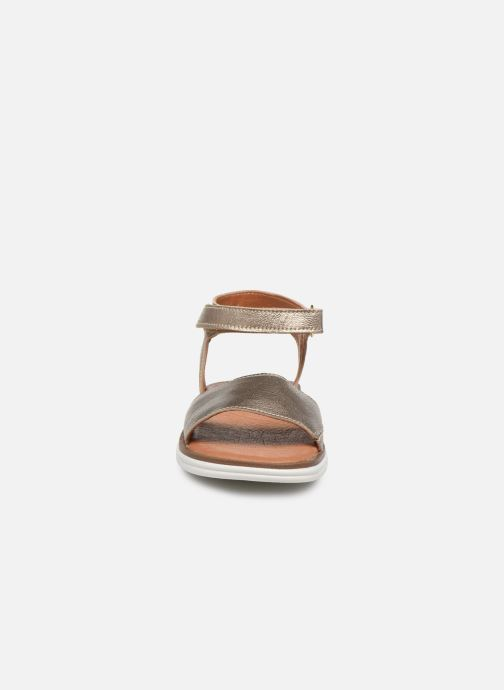 Sandalias Shoesme Ma Oro y bronce vista del modelo