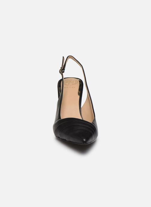 Zapatos de tacón Guess BALISE Negro vista del modelo