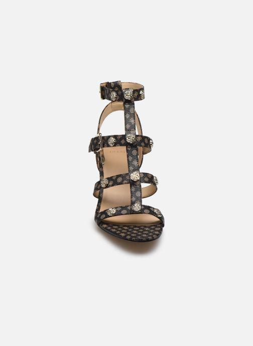 Sandales et nu-pieds Guess MAGALE2 Marron vue portées chaussures