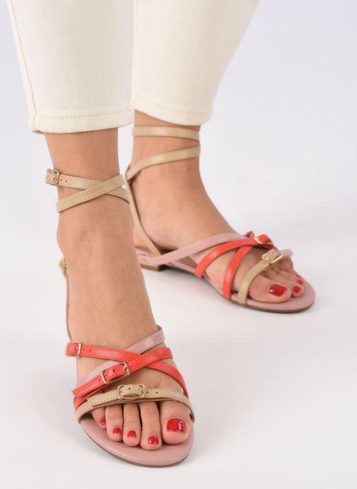 Sandales et nu-pieds Guess REGALO Beige vue bas / vue portée sac