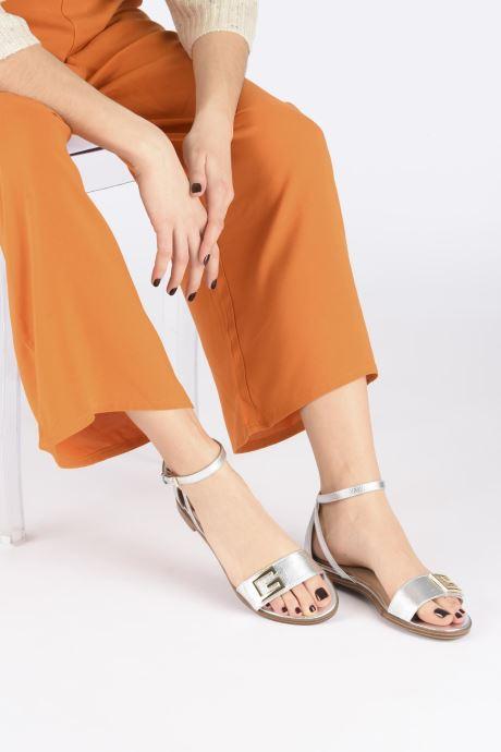 Sandales et nu-pieds Guess RASHIDA Noir vue bas / vue portée sac