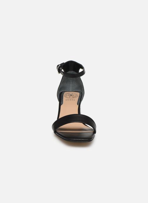 Sandalen Guess MAEVA schwarz schuhe getragen