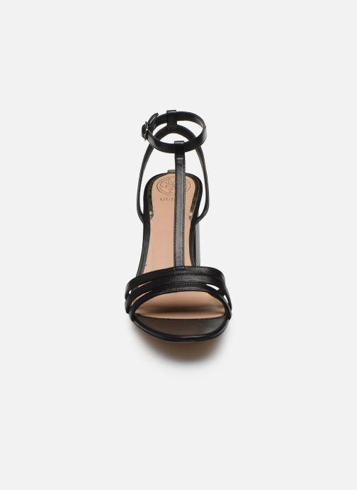 Sandales et nu-pieds Guess MAISE Noir vue portées chaussures