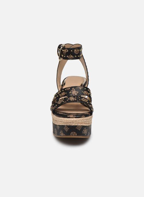 Espadrilles Guess LATANYE Marron vue portées chaussures