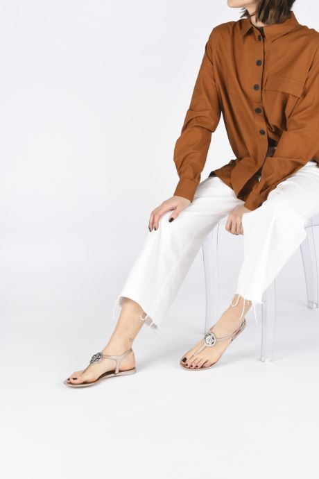 Sandales et nu-pieds Guess JAXX Or et bronze vue bas / vue portée sac