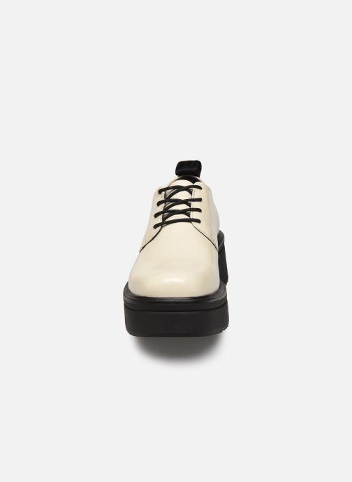 Schnürschuhe Vagabond Shoemakers TARA 4946 weiß schuhe getragen